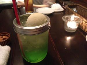 渋谷のカフェメロンソーダ