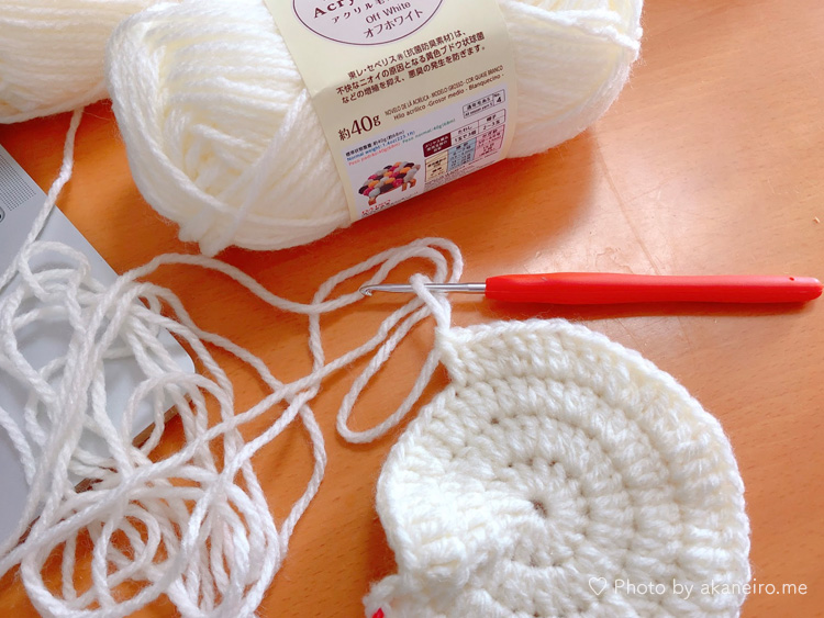 かぎ針編み新生児用ニット帽耳付き