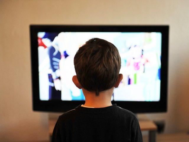 テレビを見ない子供